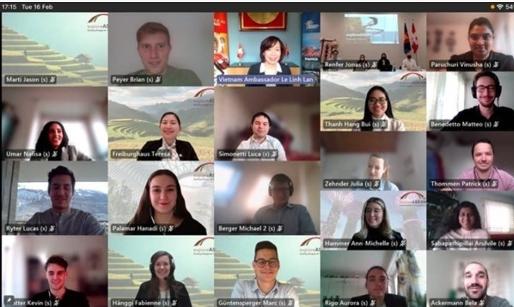Dutch university holds webinar on Vietnam