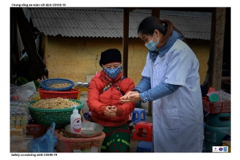 People in Ha Giang develop sustainable economy while combating COVID-19 effectively