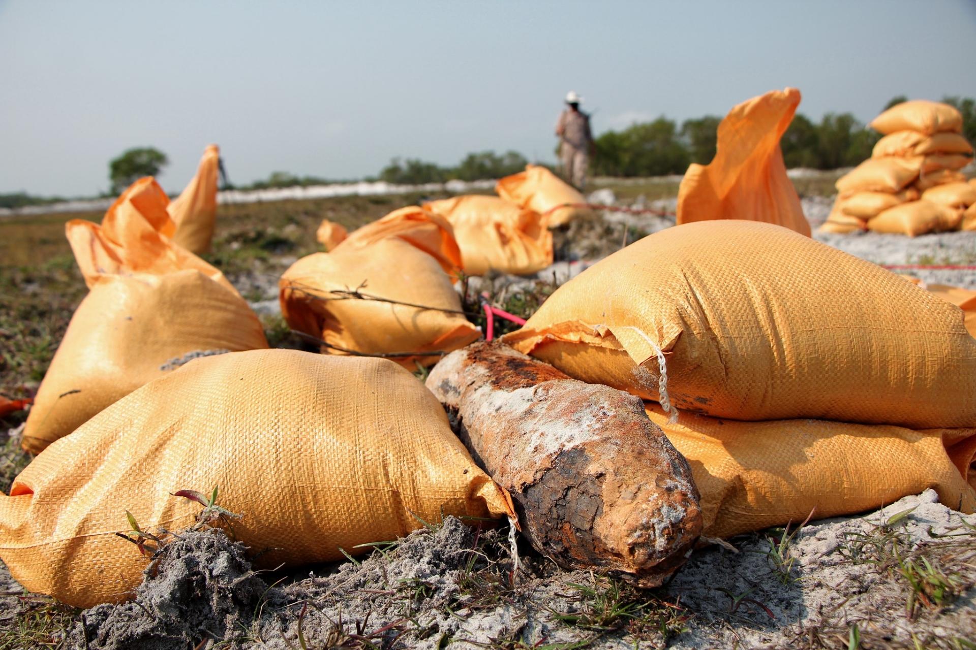 Safe detonations of high explosive and white phosphorous munitions