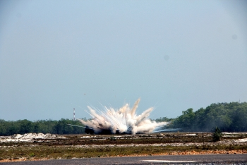 safe detonations of high explosive and white phosphorus munitions in quang tri