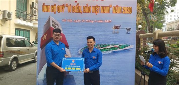 hanoi youths support fund for vietnams sea islands