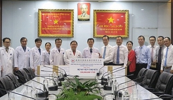 Chinese Consul General in HCM City thanked Vietnamese doctors's care for citizens