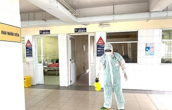 Vietnam reports five new COVID-19 infections as entry of foreigners halted