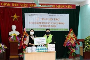 GNI sends COVID-19 relief goods to 42 Hoa Binh's schools