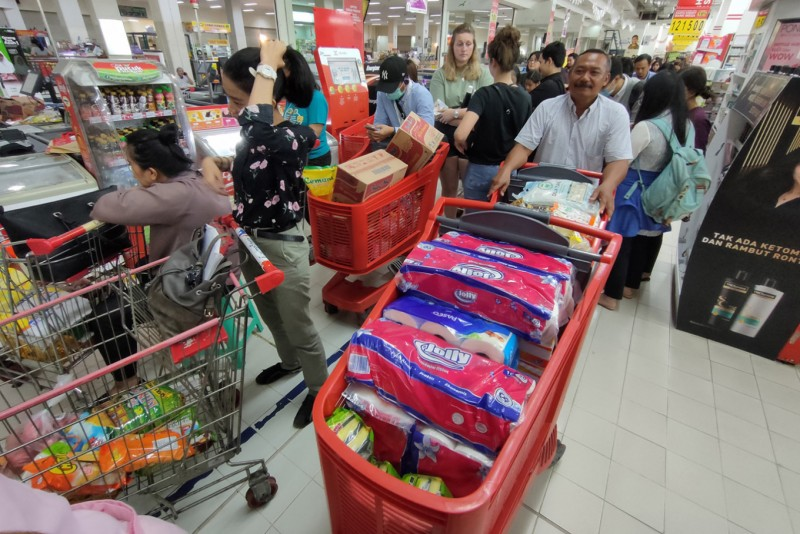 experts warn panic buying lockdowns may spark global food inflation