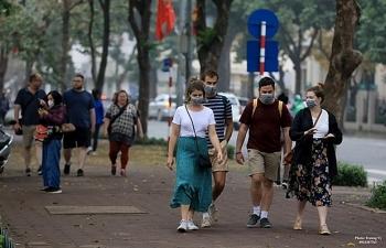 Vietnam facilitates foreigners extend visas amid COVID-19 outbreak