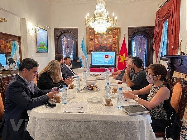Vietnamese embassy meets with Argentinean local press agencies