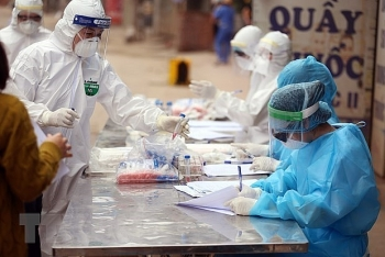 900 medical workers in hcm city to get covid 19 vaccine at first