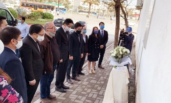 vietnamese embassy pays tribute to 15 fallen algerian journalists