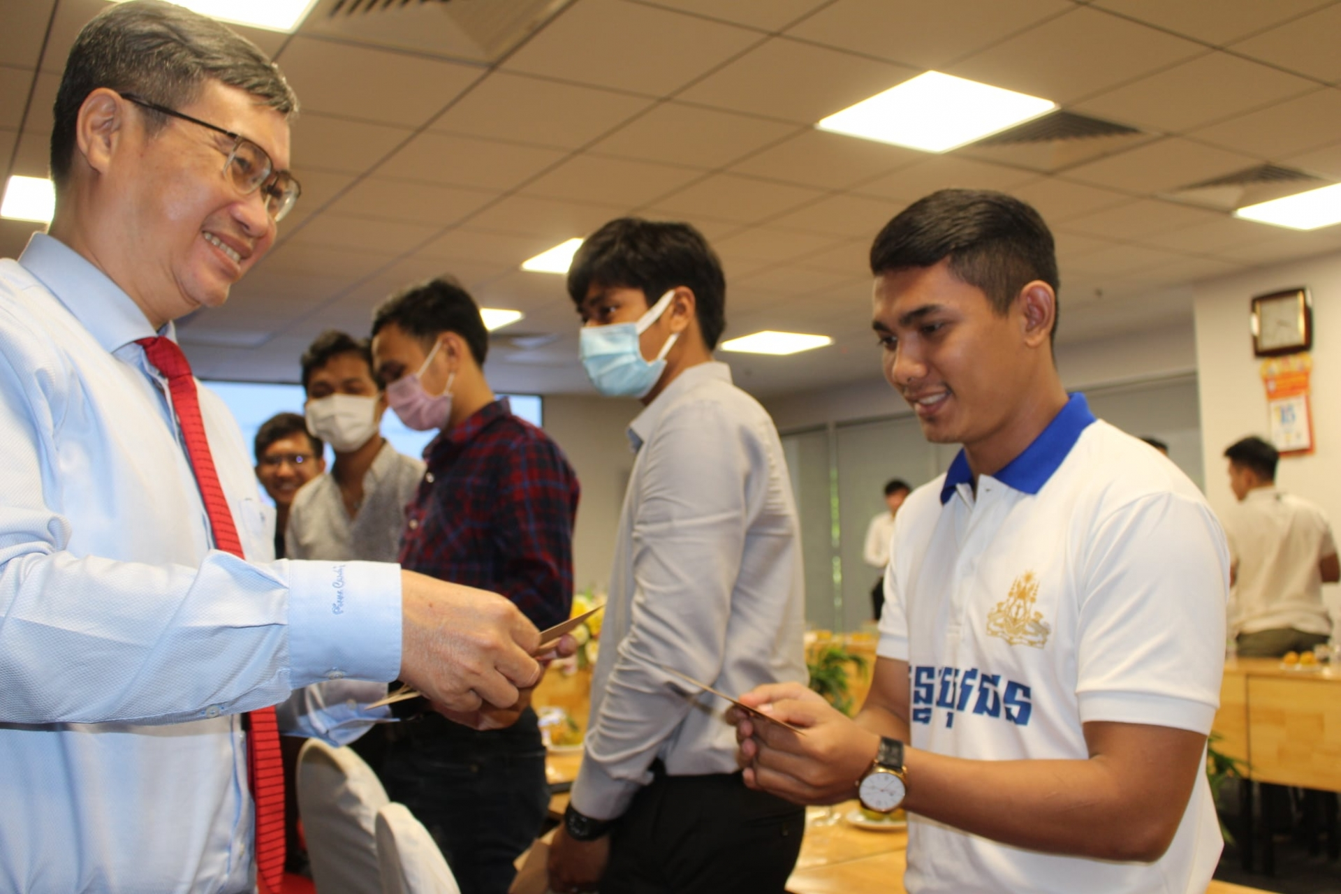 Gifts for boarding Lao, Cambodian students in Lunar New Year