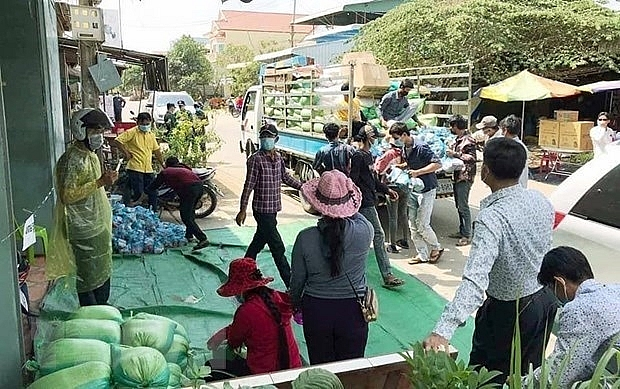 Over 14 tonnes of rice delivered to Vietnamese-Cambodians under quarantine