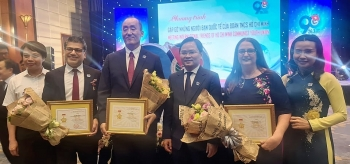 15 foreigners honoured for contributions to youth related affairs