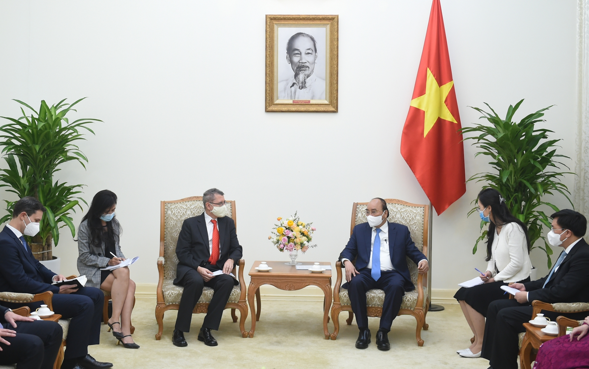 PM hopes Austrian AT&S decide to invest to Vietnam soon