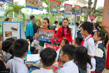 explosive ordnance risk education for students in quang tri