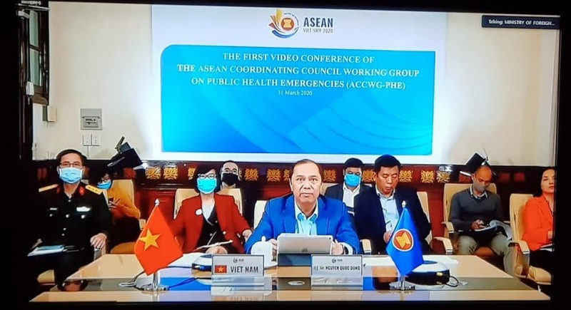 mobilising overall strength of asean community to curbing spread of covid 19