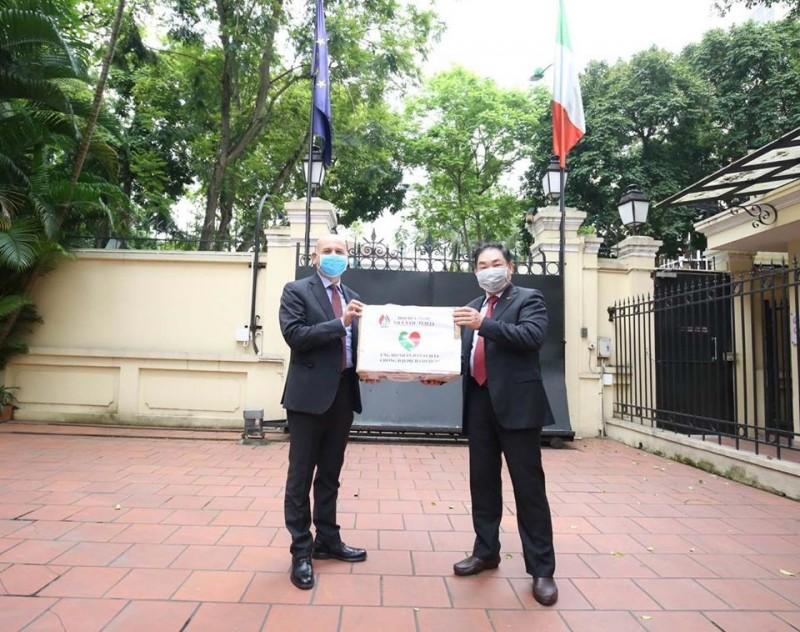 vietnam italy friendship shines amid coronavirus crisis