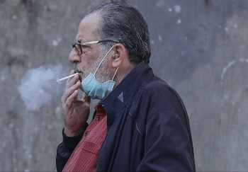 Smokers may spread coronavirus easier than non-smokers: Japan's doctor suggests