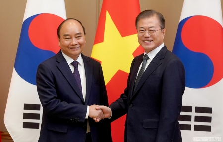 Vietnam well responds to COVID-19 pandemic, says Korean President