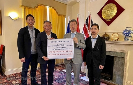 Vietnamese communities abroad  join hands to fight COVID-19 in Vietnam
