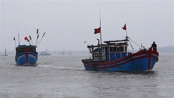 china demanded to compensate vietnamese fishermen whose boat sank off biendong east sea
