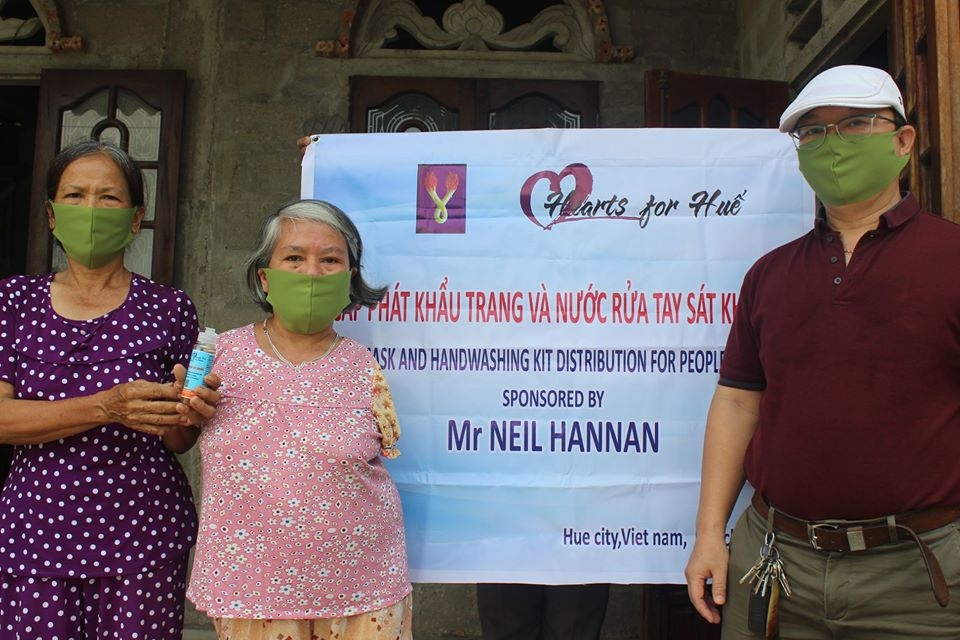 thua thien hue facemasks and hand sanitizer distributed for poor households