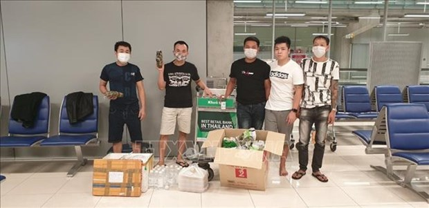 embassy works to bring home vietnamese stuck at thai airport