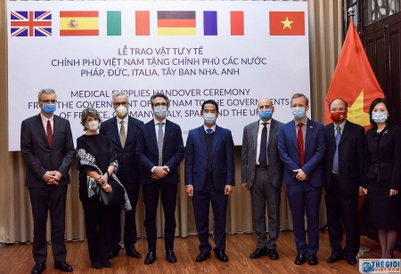 Vietnam gifts 550,000 face masks to EU countries in coronavirus fight