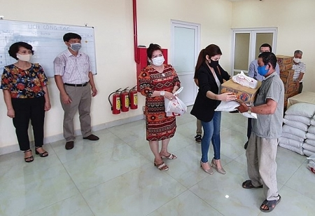 Cambodian-Vietnamese families received support from Consulate General