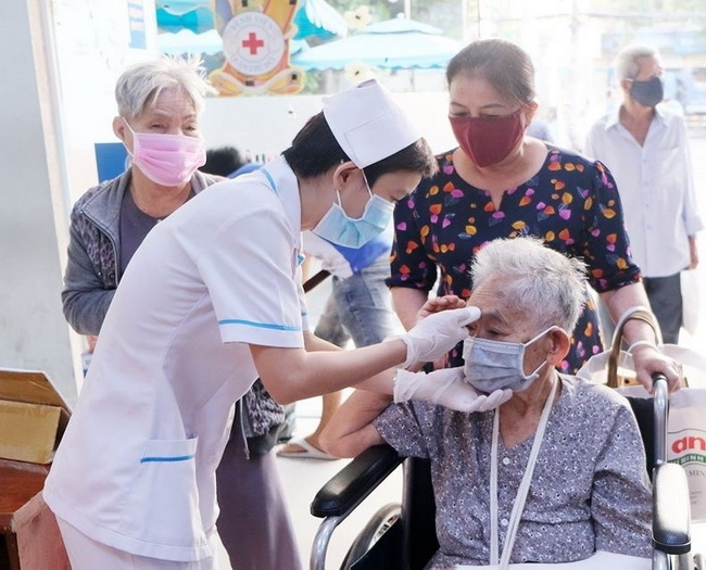 helpage international supports older people amid covid 19