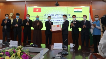 covid 19 fight 100000 face masks presented to india