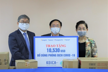 COVID-19: KOICA supports over USD 10,000 support package for needy women in Hanoi