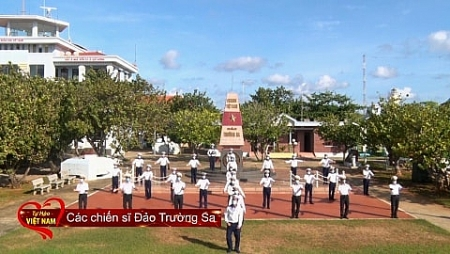 """200 people, including Truong Sa soldiers perform in """"Proud of Vietnam"""" music video"""