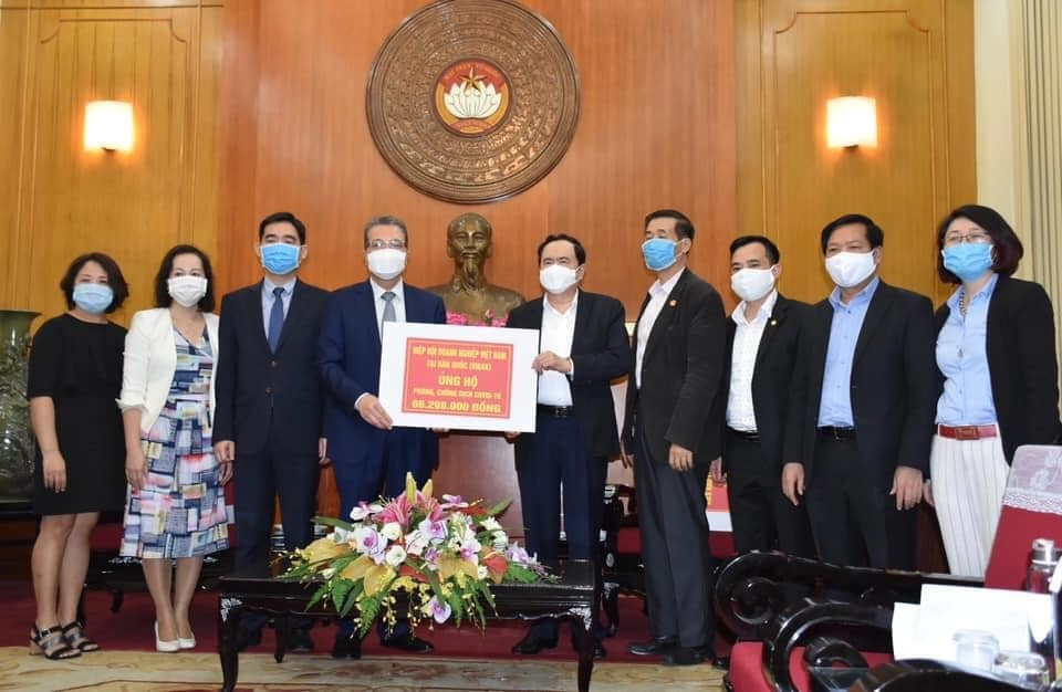 vietnamese in thailand rok donate usd 30000 to homelands covid 19 fight