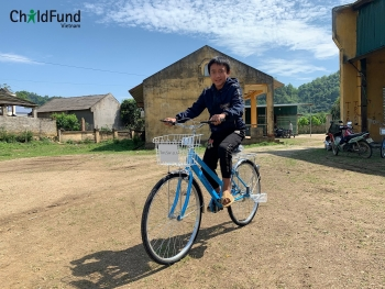 over 40 new bikes distributed to poor students in bac kan