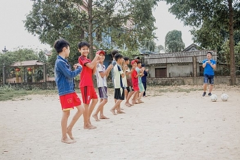 uefa blue dragon join hands helping street children in vietnam