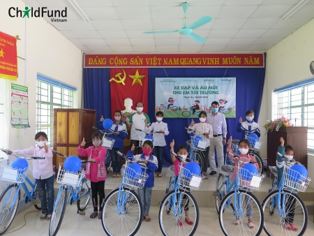 Cao Bang: Children benefit from ChildFund Vietnam bicycles donation