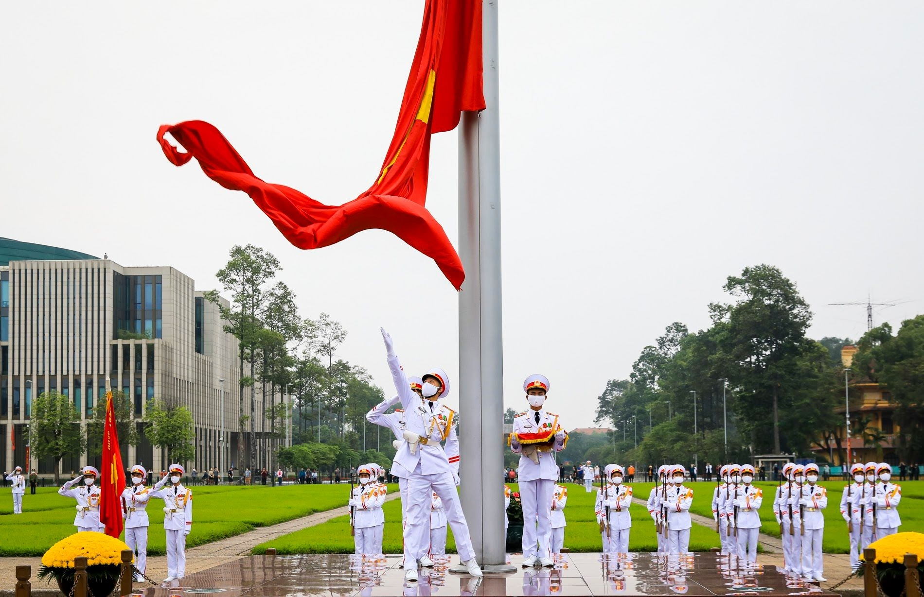 russia laos offer congratulations to vietnam on national reunification day