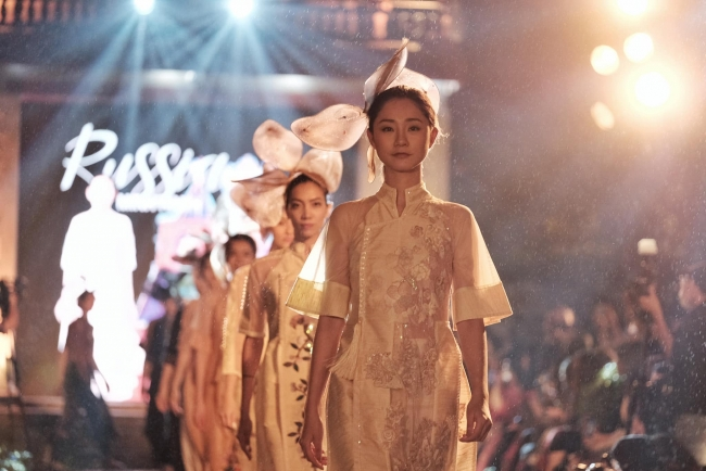 More than 600 Ao Dai designs take stage in Hanoi