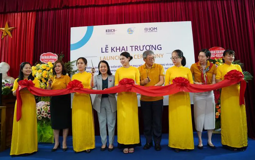 Another service office for returning migrant women opens in Vietnam