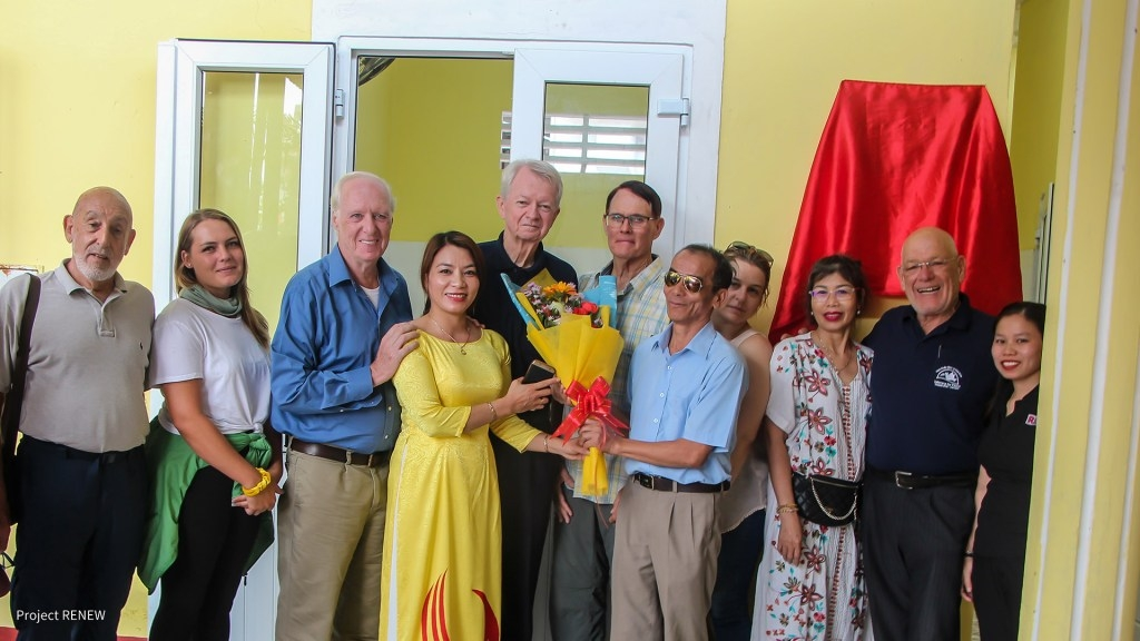 US veterans raise fund to help locals in Quang Tri