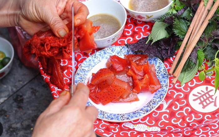 Are you a fan of sushi? If so, you should try raw red jellyfish salad