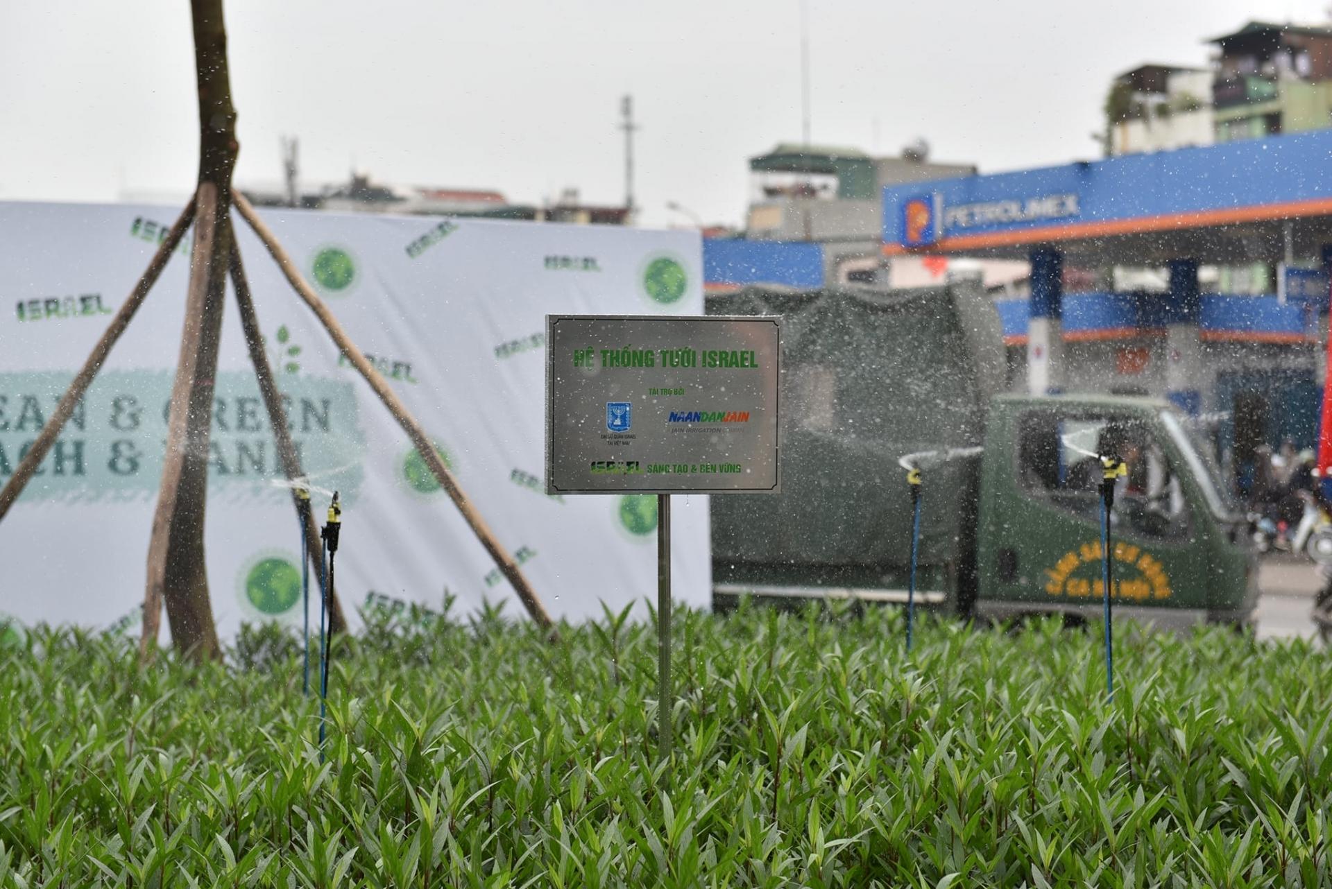 Israeli Embassy gifts solar-powered drip irrigation system to Hanoi