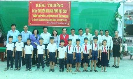 Vietnam-France Friendship Association supports reading room in Vinh Long