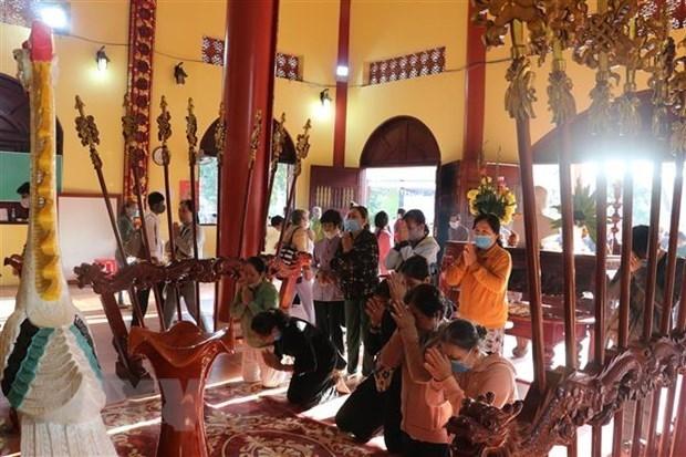 95 percent of Vietnam's population follow religions and beliefs