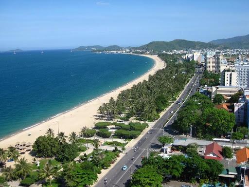 google maps finally corrects misinformation about vietnams beach