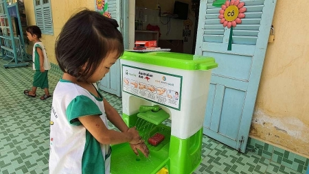 Water filtration kiosk  in Ben Tre provides clean water for 6,000 households