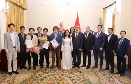 Russian, Korean press agencies to open representative offices in Vietnam