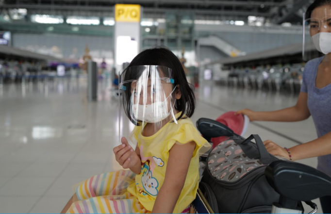 Nearly 300 stranded Vietnamese citizens brought home from Thailand