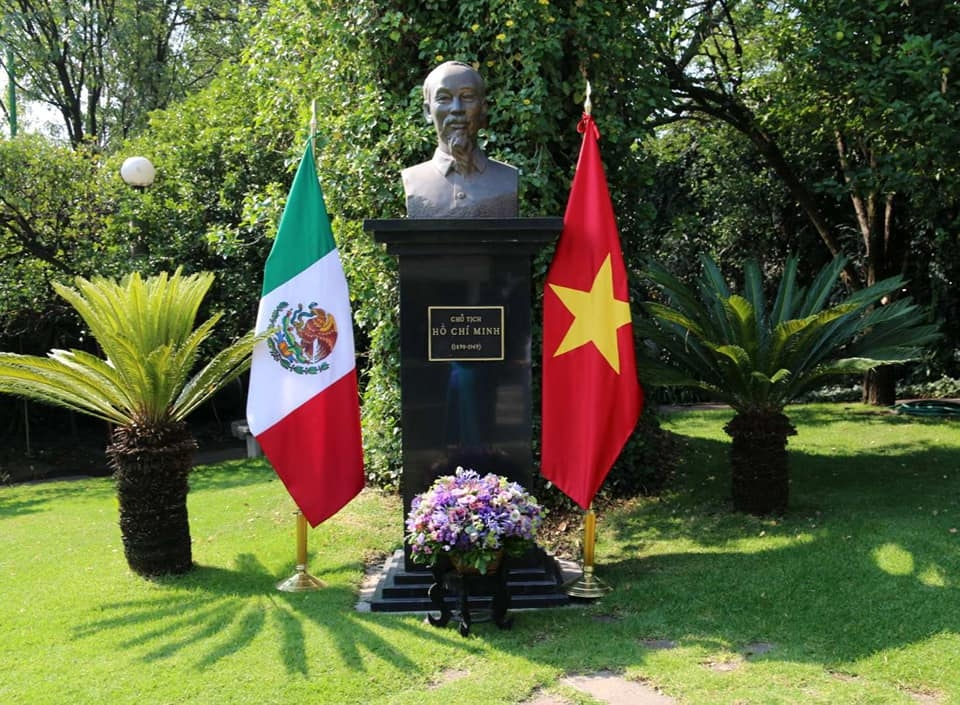 president ho chi minhs birthday marked abroad 20473
