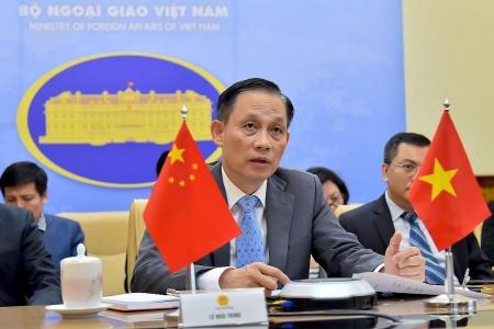 Vietnam and China discuss measures to resuming socio-economic activities
